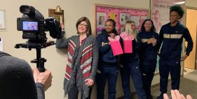 Pitt Women's Basketball Team Visits UPMC Hillman Cancer Patients
